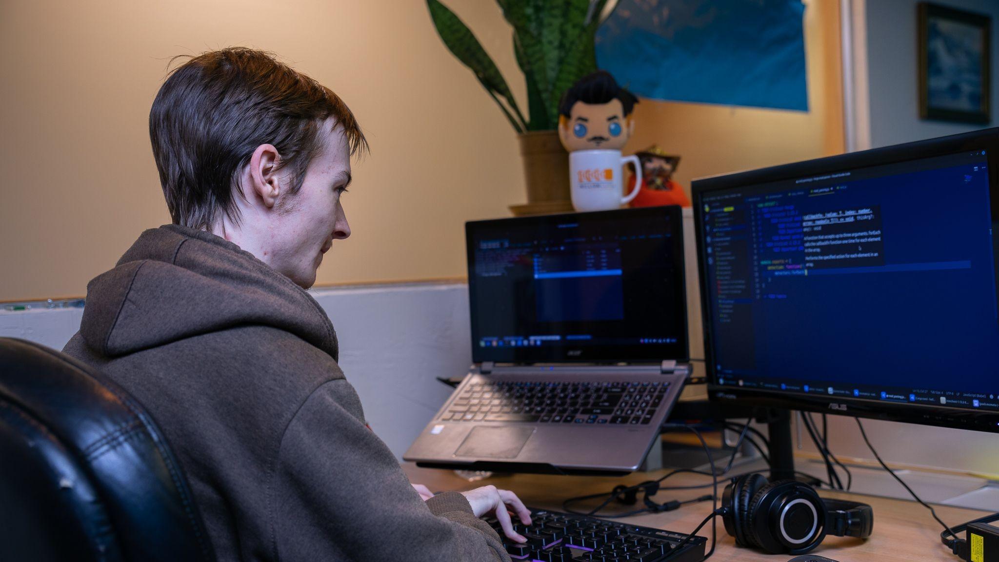Ben W at his Nodecraft workstation